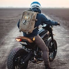 Rate this one from 1 to 10 Ducati Scramble Full Throttle Image by. Dominator Scrambler, Moto Enduro, Scrambler Custom, Ducati Scrambler, Cafe Racer Motorcycle, Moto Bike, Motorcycle Style, Moto Ducati, Motorcycle Men