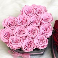 💞💝 #amourdesroses #rosebox #flowerbox #infinityroses #heart #love Rosen Box, Flower Boxes, Pink Roses, Unique Gifts, Instagram, Plants, How To Make, Heart, Infinity