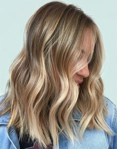 Hair color with Balayage ❤ Balayage vs Ombre: Find the Difference ❤ Ombré Hair, New Hair, Curly Hair, Hair Color And Cut, Blonde Balayage, Subtle Balayage, Great Hair, Gorgeous Hair, Beautiful