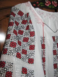 Hand embroidered Romanian blouse - red - black flowers L size Folk Embroidery, Embroidered Clothes, Black Flowers, Red Blouses, Bridal Dresses, Cross Stitch Patterns, Needlework, Applique, Red Black