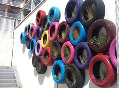 VEGETAL WALL WITH RECYCLED TYRES