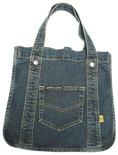 denim bag inspiration by Aniky Jean Purses, Purses And Bags, Mochila Jeans, Diy Sac, Denim Handbags, Denim Purse, Denim Jeans, Denim Crafts, Recycled Denim