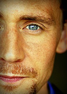 Beautiful Hiddles Just look at those darling freckles!! Oh my stars, he just gets better & better. Yum!