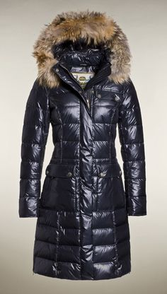 GB1660123  Fashionable long down coat! The hood and the fur trim are both detachable.The back of this coat consists of a special coating to make it more water resistant. The coat has two front flap pockets on both sides and two inner pockets.