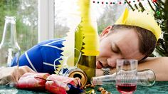 HOW TO CURE A HANGOVER. #New #Year #Hangover #Tips #Party #Drinks #Lifestyle #Friends #Water #Fruits #Ginger #Lemon #Honey #Sleep