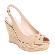 Pre-Owned Stuart Weitzman Dolunch Slingback Nude Patent Wedge Sandals... (3.295 ARS) ❤ liked on Polyvore featuring shoes, sandals, neutral, nude wedge sandal, summer sandals, slingback wedge sandals, adjustable strap sandals and high heel wedge sandals
