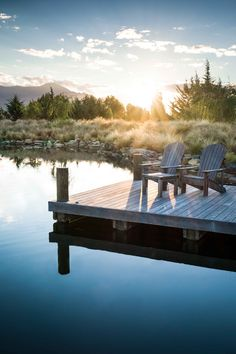 With the introduction of soft grasses a built up embankment helps to create a natural looking man-made dam. The timber jetty is an ideal place to enjoy the sunset. Deck Design, Landscape Design, Garden Design, House Design, Wanaka New Zealand, Garden On A Hill, Pool Cabana, All Plants, Get Outside