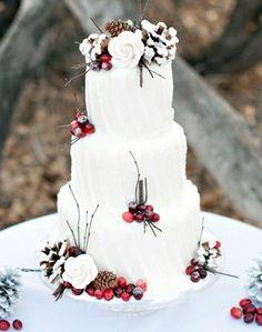 Decorazioni per la torta nuziale con foglie, pigne e fiori - Matrimonio.it: la guida alle nozze