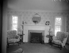 1940 Elegant Living Room Decor | 1940s Living and Dining Room Necessities