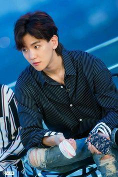 I miss his mullet exo baekhyun Baekhyun Chanyeol, Sehun Oh, Luhan And Kris, Baekyeol, Chanbaek, Youngjae, Exo Ot12, Kpop Exo, Exo K