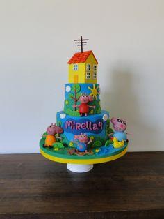 Bolo tema Peppa Pig para alegrar a festa de 4 aninhos da Mirella!
