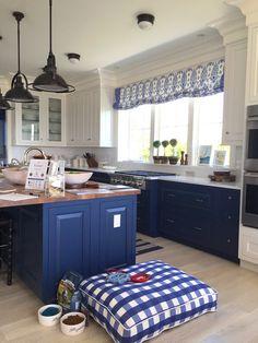 kitchen windows between cabinets