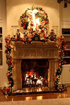 The Best 35+ Amazing Christmas Fireplace Decorating Ideas http://decorathing.com/home-apartment/35-amazing-christmas-fireplace-decorating-ideas/