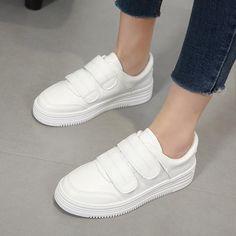 Material:PU Heel Height:4cm Embellishment:Platform