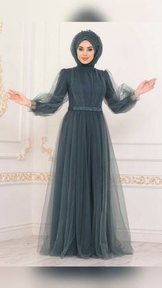 Indian Gowns Dresses, Indian Fashion Dresses, Muslim Fashion, Stylish Dresses For Girls, Stylish Dress Designs, Hijab Evening Dress, Fashion Drawing Dresses, Indian Bridal Outfits, Prom Dresses Long With Sleeves