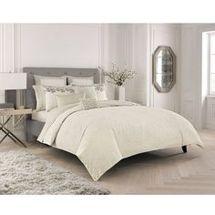 Catherine Malandrino Petal Duvet Cover ($180) ❤ liked on Polyvore featuring home, bed & bath, bedding, duvet covers, ivory, beige bedding, contemporary bedding, metallic bedding, ivory bedding and jacquard bedding