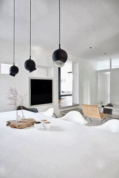 #all_white #dining_room #natural #light_wood #contemporary #scandinavian #white #casual #black
