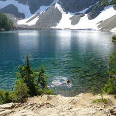Blue Lake off of milepost Winthrop, Washington. North Cascades, Great Places, Places To See, Beautiful Places, Nevada, Utah, Diablo Lake, Fun Family Photos, Arizona