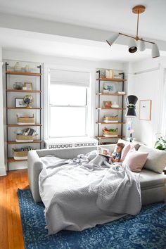 Small Space Living Series- New York City Apartment with Crystal Ann Interiors - . Small Space Living Series- New York City Apartment with Crystal Ann Interiors – Nesting With Grac City Apartment Decor, New York City Apartment, Design Apartment, Apartment Layout, Studio Apartment, Basement Apartment, Apartment Ideas, Small Apartment Bedrooms, Small Apartment Decorating