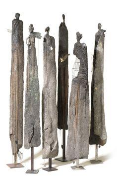 Yolande Biver- esculturas maderas viejas
