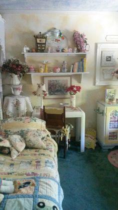 Sweet Dreams bedroom at Ginny's Enchanted Garden AirBnB.