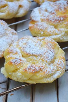 Doughnut, Donuts, Hamburger, Breads, Food And Drink, Sweets, Cookies, Recipes, Frost Donuts