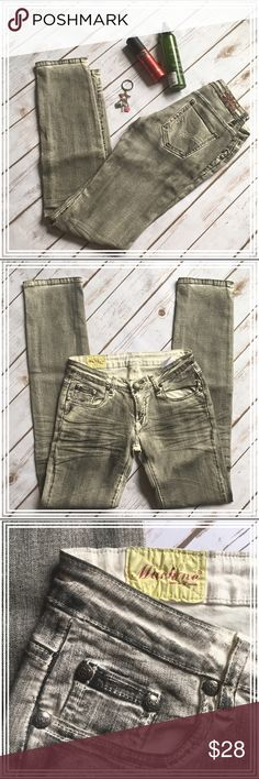 """Machine Denim gray garage-grunge skinny jeans This pair of skinny jeans from Machine Denim has a grungy/rugged look, it came from a consignment store a while ago. The measurements are: inseam 33"""" and waist 13"""". Machine Jeans Skinny"""