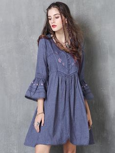 Fantastic women dresses are readily available on our site. Have a look and you wont be sorry you did. Stylish Dresses, Casual Dresses, Casual Outfits, Fashion Dresses, Différents Styles, Short Frocks, Iranian Women Fashion, Linen Dresses, Midi Dresses
