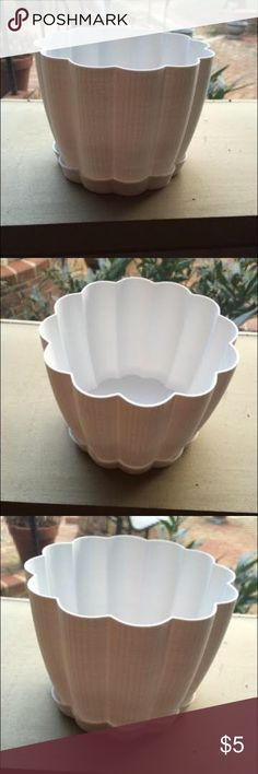 3D Printed Indoor Garden White Scalloped Planter 3D Printed Indoor Garden White Scalloped Planter Pot. Made from all-natural (derived from sugar cane) and biodegradable PLA plastic. It has a drainage hole drilled in the bottom and it comes with a companion tray. Brand new, NWOT. I ship daily and am open to trades if you have one of my ISOs (listed in my closet). Will consider all offers! 20% off all bundles of 2+ items, always! Handmade Other