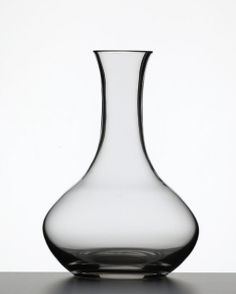 Spiegelau Soiree Decanter - (Litre) - Item 1445  This Soiree Decanter is a top quality decanter made by Spiegelau, one of the oldest and best known glassware manufacturers in Bavaria, Germany Max Height 24.5cms - Max Capacity 1000cl Weight app 700gms