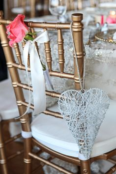 Elegant Pink & Ivory Minnesota Wedding|Photographer: Kelly Brown Weddings