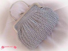La autora del blog GANCHILLO MÁGICO ha tejido este bolso de fiesta a crochet y nos ha contado algunas claves.
