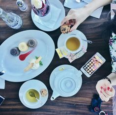 What is your current mood this afternoon ? Our Afternoon Tea Package will make your delightful day with only Rp. 50.000,- Nett. Sit back and enjoy the most blown away sunset spot at ON20.  For Enquiries & RSVP, Pls call +62411 362-0800  #on20makassar #restaurant #bar #afternoontea #kulinermakassar #makassardoyanmakan #skylounge #skybar #lounge #astonmakassarhotel #astonmakassar #mksfoodies | on20makassar.com