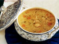 Canja de Galinha - Delicious made by Mom! Portuguese Soup, Portuguese Recipes, Appetizer Recipes, Soup Recipes, Cooking Recipes, Chefs, My Favorite Food, Favorite Recipes, Soup And Sandwich