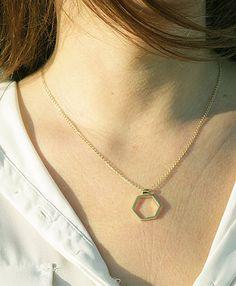 Handmade hexagonal pendant //   By Lijewels. http://lijewels.com/es/ #necklace #hexagon #pendant