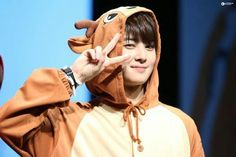 Can you name the Kpop Idols Wearing Costumes? Test your knowledge on this music quiz to see how you do and compare your score to others. Quiz by zilayvette Cha Eunwoo Astro, Chibi Boy, Astro Fandom Name, Bae, Lee Dong Min, Handsome Korean Actors, Cute Girl Drawing, Korean People, Korean Bands