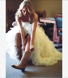 Wedding dress and cow boy boots. <3