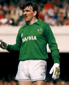 Evertons best ever goalkeeper Neville Southall, with 578 appearances for Everton and many trophies from the successful 80s.