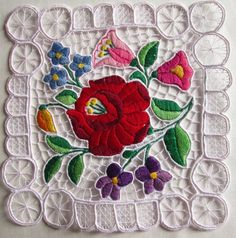 "VINTAGE HANDMADE HUNGARIAN KALOCSA HAND EMBROIDERED RICHELIEU DOILY SQUARE 8""x8"" #Handmade"