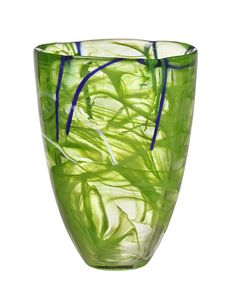 A Beautiful vase to show off there flowers.