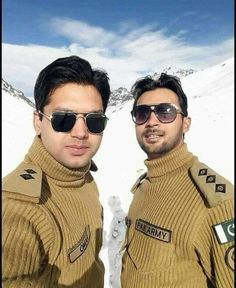 Pak Army Soldiers, Army Pics, History Of Pakistan, Pakistan Armed Forces, The Few The Proud, Pakistan Army, Army & Navy, Military Weapons, Pakistani