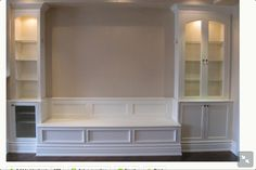 Banquette bench for dining room. For me: longer banquette, wider cabinets on either side. Kitchen Seating, Kitchen Benches, Built In Dining Room Seating, Kitchen Nook, Kitchen Living, Dining Room Banquette, Dining Table, Dining Area, Table Bench