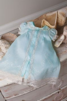 At Martha Pullen Company's core is a love of heirloom sewing & machine embroidery. Little Dresses, Little Girl Dresses, Girls Dresses, Little Girl Fashion, Kids Fashion, Baby Sewing, Sewing For Kids, Vintage Baby Clothes, Vintage Baby Dresses