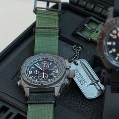 Cool Watches, Watches For Men, Mtm Special Ops, Tactical Watch, Cool Gear, Navy Seals, Automatic Watch, Survival Gear, Gq
