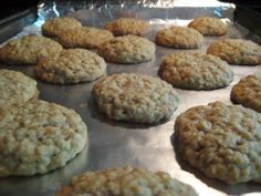 Wicked Delicious: Soft and Chewy Oatmeal Cookies - good, but not soft & puffy. Just chewy. Cookie Desserts, Just Desserts, Cookie Recipes, Delicious Desserts, Dessert Recipes, Yummy Food, Baking Cookies, Protein Recipes, Holiday Desserts