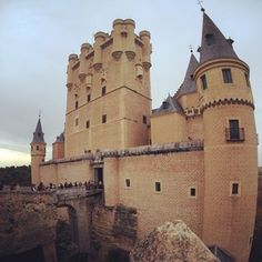 Oh I m at the top of the castle Alcazar! Castle, Europe, Building, Travel, Castles, Pictures, Voyage, Buildings, Viajes
