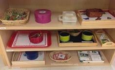 Buggy Works on the Pre-Literacy Shelf. Ideas from Montessori Schools – Trillium Montessori Montessori Practical Life, Montessori Preschool, Montessori Education, Montessori Classroom, Preschool Science, Science Area, Baby Education, Home Daycare, Tot School