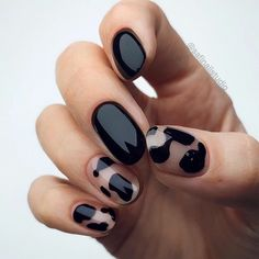 Minimalist Nails, Cute Nails, Pretty Nails, Hair And Nails, My Nails, Nails Inc, Black Nail Art, Black Gel Nails, Black Manicure