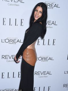 Hard to miss! The model's plunging backless black gown featured a tanned leather derriere, which gave her the opportunity to highlight her toned physique in all its glory Liberty Ross, Windsor Knot, L'oréal Paris, Old Models, Loreal, Timeless Fashion, Physique, Classic Style, Nice Dresses