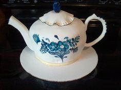 tea pot cake | This cake was my second teapot cake and I had a lot of fun doing it ...